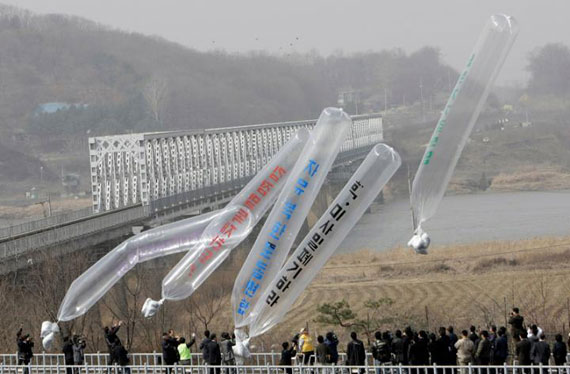 biblias-globo-corea-norte
